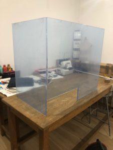 osłona na biurko przeciw covid-19