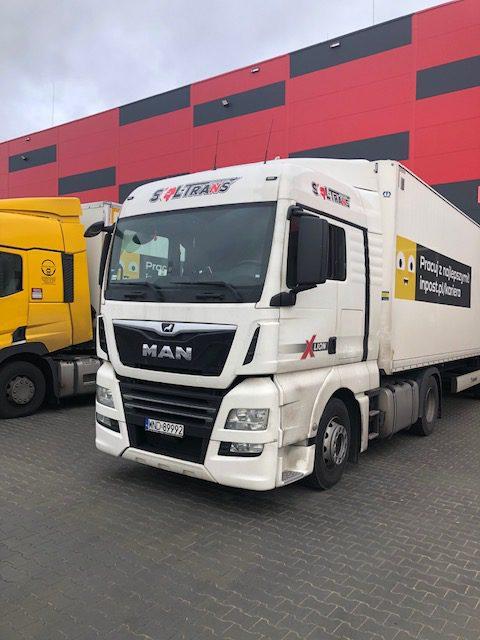 soltrans oklejona flota pojazdów ciężarowych