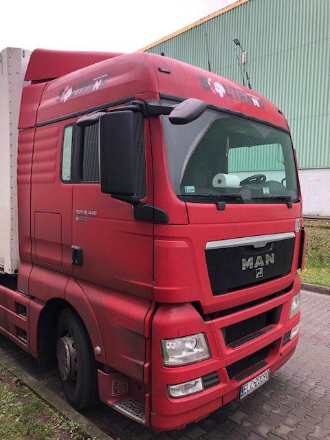 logo na samochodzie ciężarowym projekt wykonanie medialab